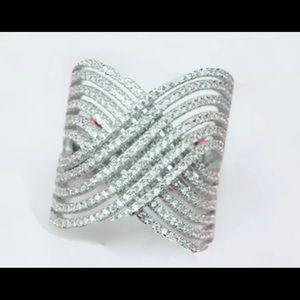 Jewelry - Zirconia crystals ring